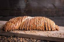 Alpenbrood gesneden (Vers uit eigen oven)