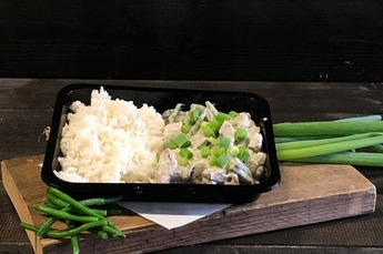 Groene curry met kip (€ 9,95 P.P. v.a. 10 personen)