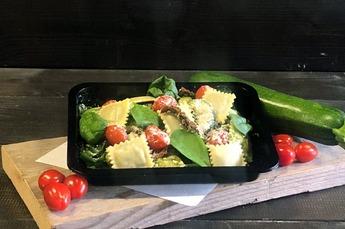 Vegetarische ravioli ricotta spinazie (€ 9,95 P.P. v.a. 10 personen)