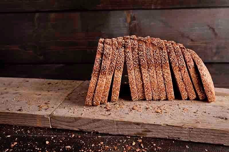 Vloerbrood volkoren sesam half
