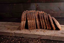 Vloerbrood volkoren maanzaad half