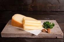 Boeren belegen kaas gesneden