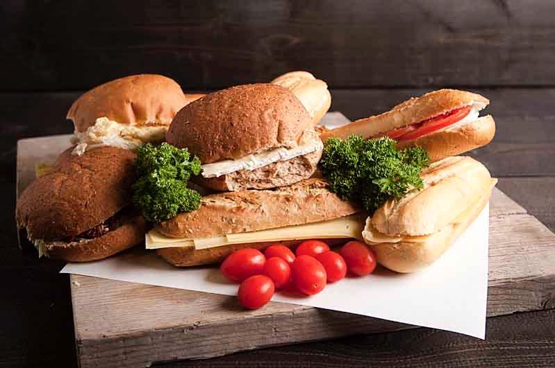 Vegabox diverse vegatarische belegde broodjes 10 stuks