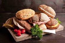 Royalty box diverse belegde broodjes 10 stuks