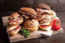 Exclusive box diverse belegde broodjes 10 stuks